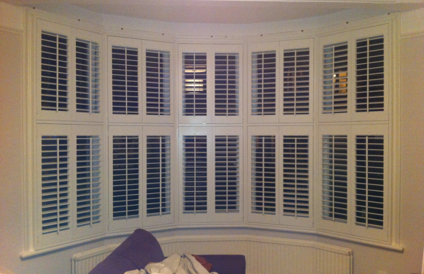 Window blind curved window blinds inspiring photos for Curved bay window